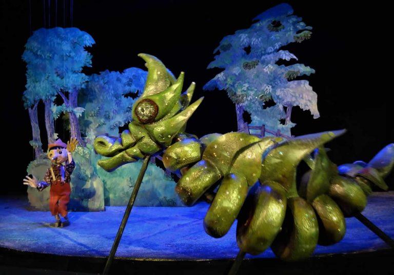 Pinocchio meets a dragon
