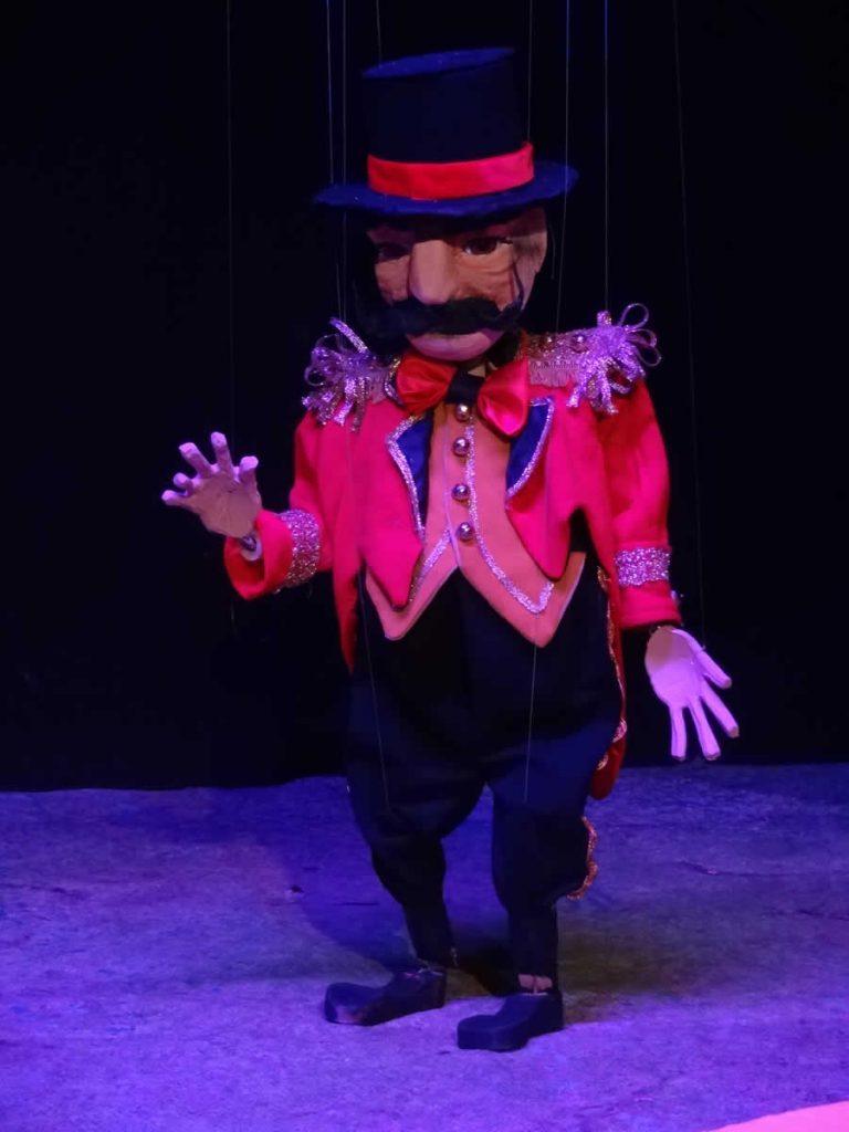 The circus master